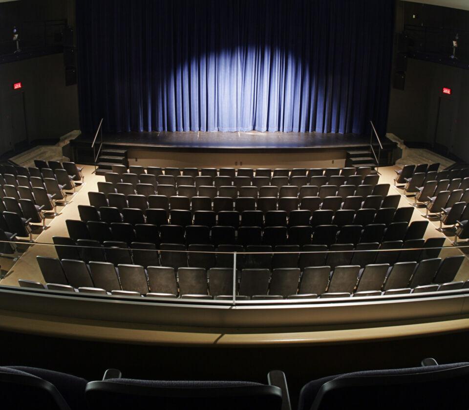 Un spectacle d'humour au Théâtre du Cégep de Trois-Rivières